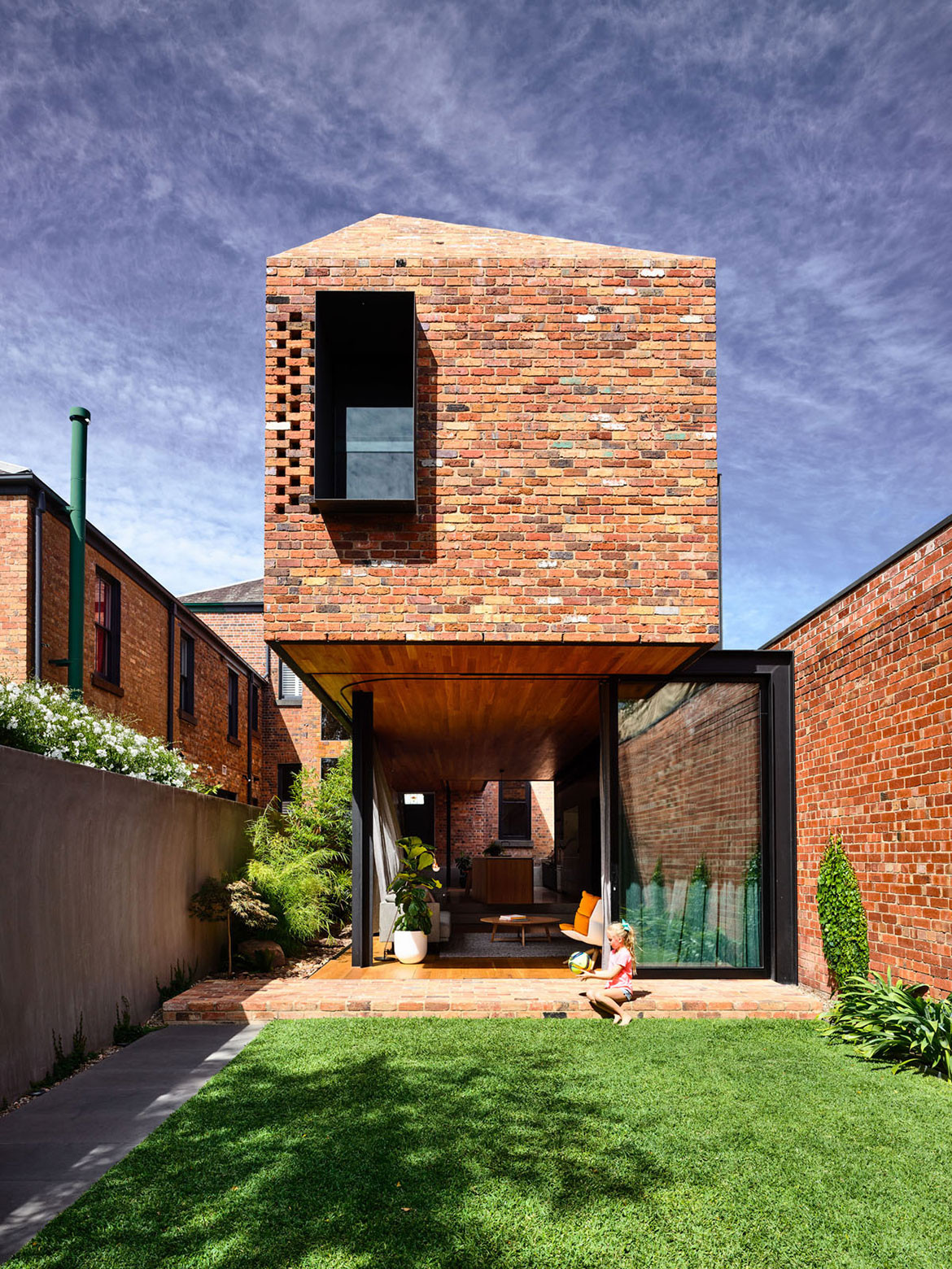 North Melbourne Terrace Matt Gibson Architecture + Design cc Derek Swalwell outdoor