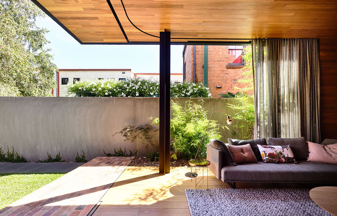 North Melbourne Terrace Matt Gibson Architecture + Design cc Derek Swalwell outdoor living