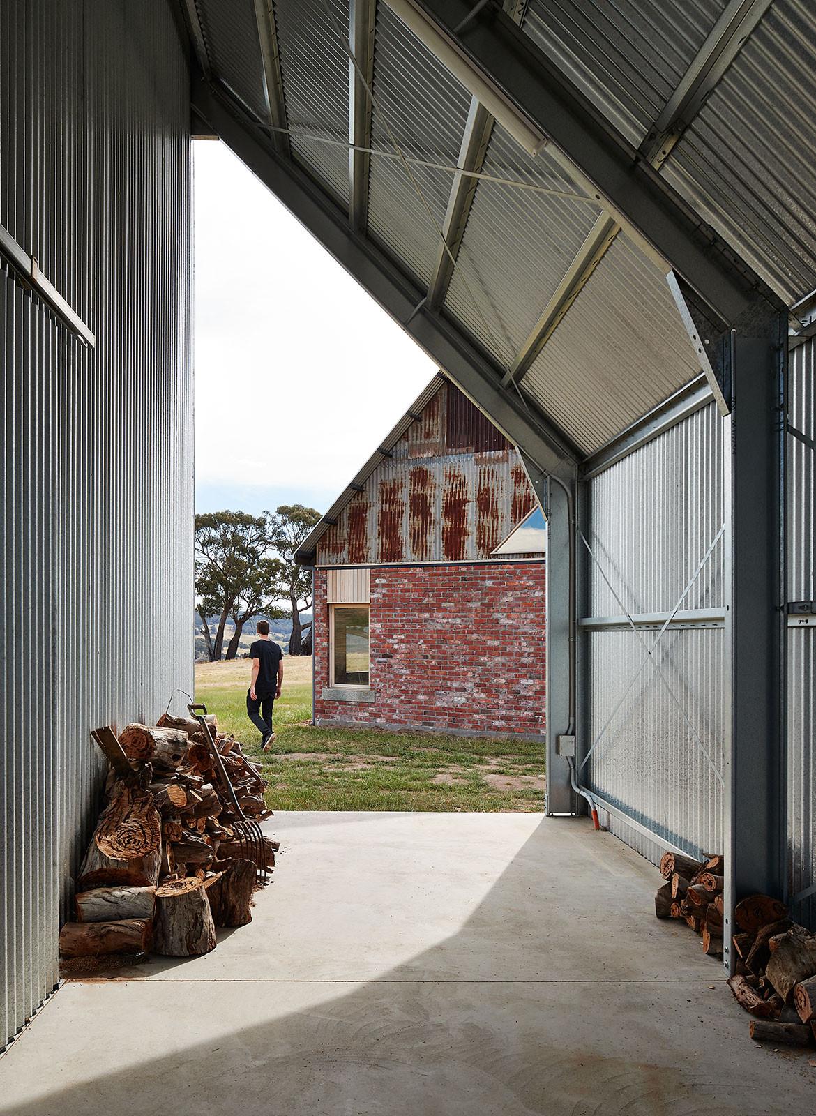 Nulla Vale MRTN Architects CC Peter Bennetts firewood