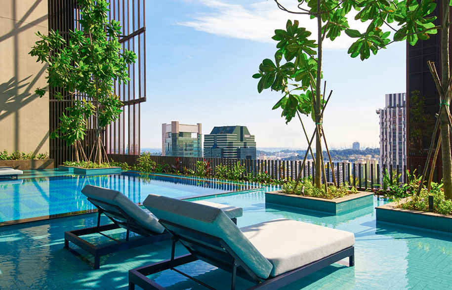 Oasia-Hotel-Downtown-Singapore-Infinity-Pool