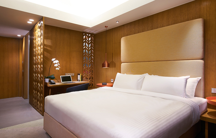 Oasia-Hotel-Downtown-Singapore-Superior-Room_KING