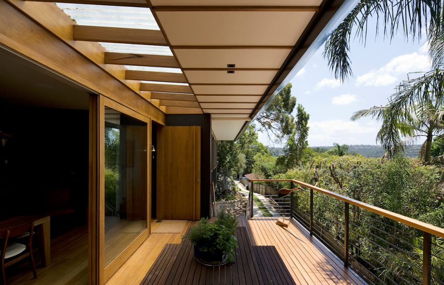 Ozone-HouseMatt-Elkan-ArchitectTreeHouse_balcony