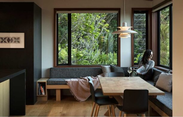 Pat De Pont Architect Whare Koa dining room