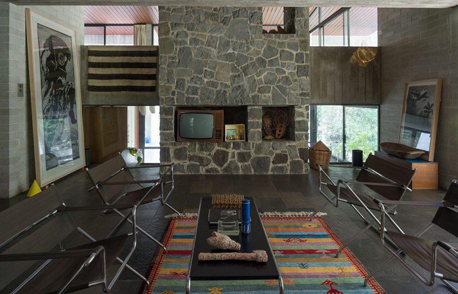 Penelope Seidler Stephen Todd cc Tony Amos living room