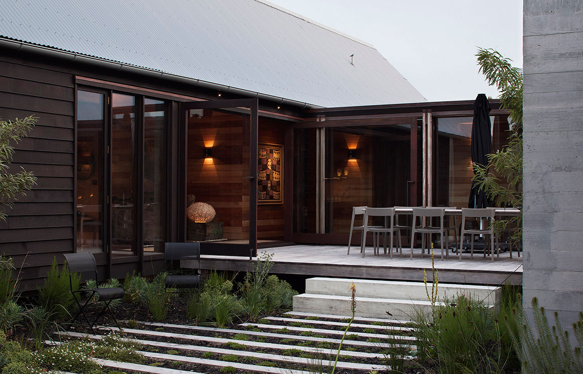Point Wells House Paterson Architecture Collective + Steven Lloyd Architecture Outdoor living
