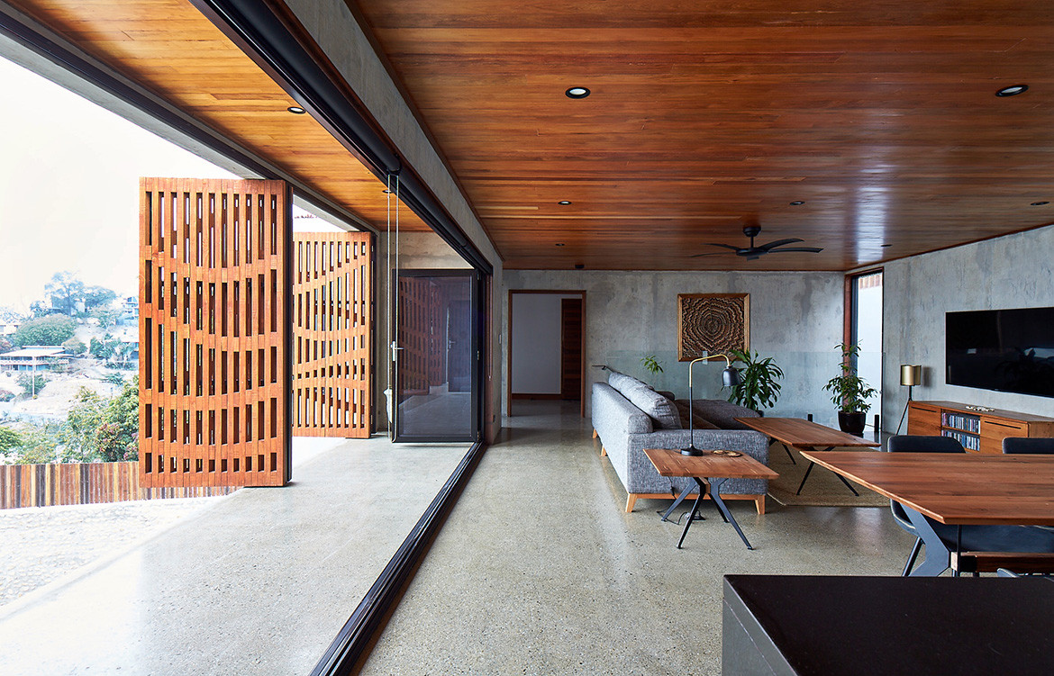 Port Moresby House Studio Workshop Papua New Guinea cc Peter Bennetts living room