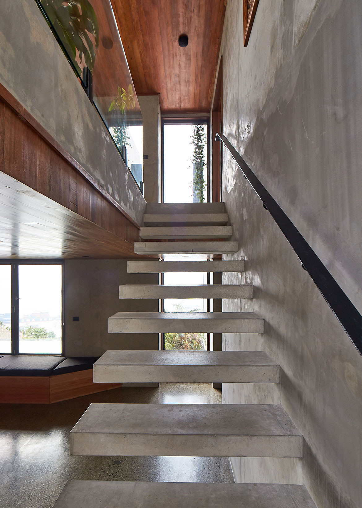 Port Moresby House Studio Workshop Papua New Guinea cc Peter Bennetts staircase