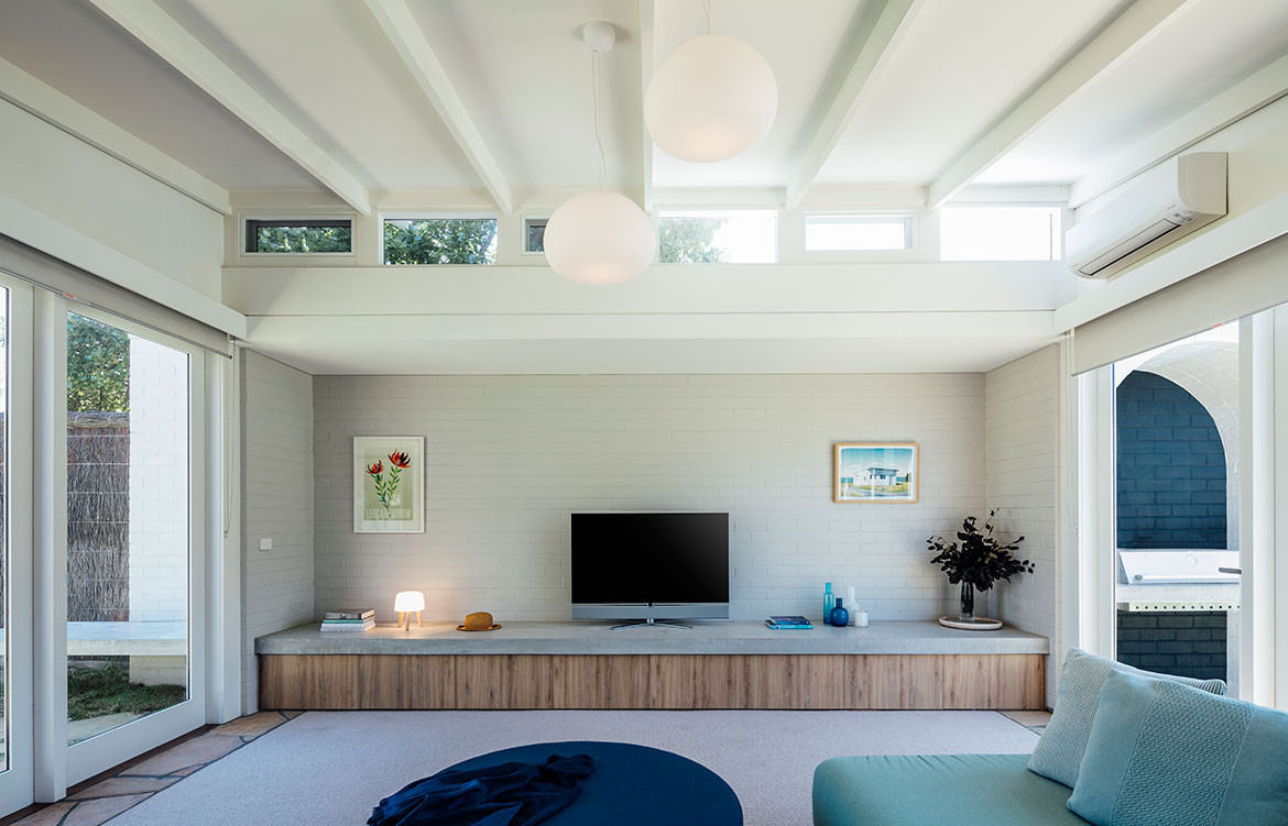 Portsea Beach Shack Pleysier Perkins CC Michael Kai living