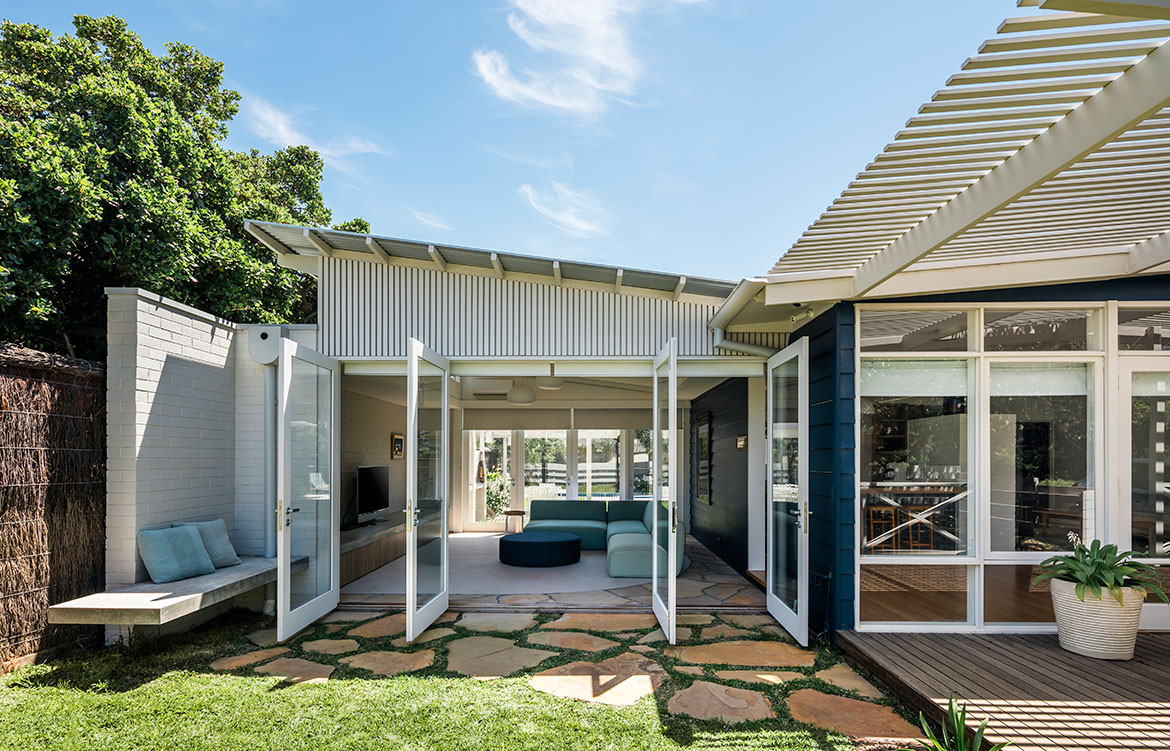 Portsea Beach Shack Pleysier Perkins CC Michael Kai open living