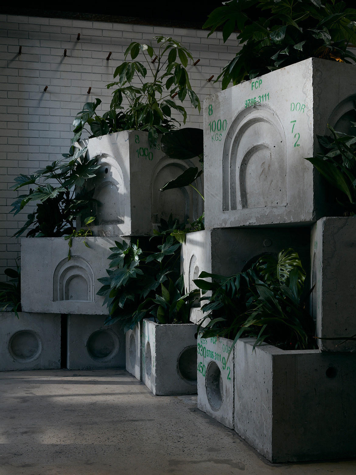 Project 281 Splinter Society cc Tom Ross cast concrete planters
