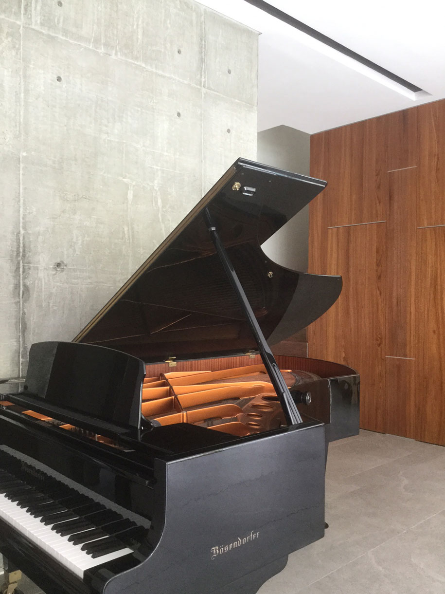 House with Pianos | Habitus Living