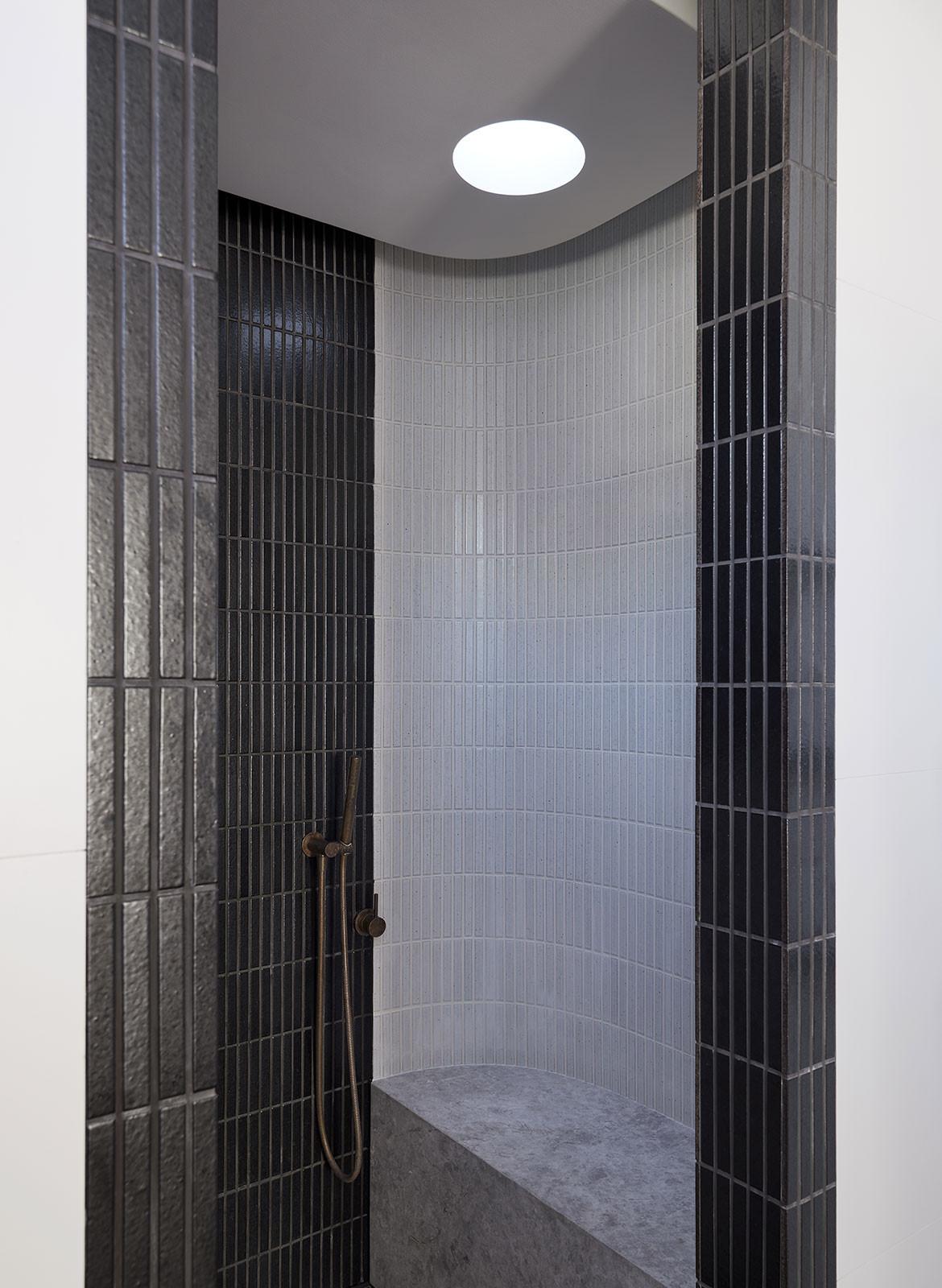 RZB House CAPA Studio CC Douglas Mark Black shower