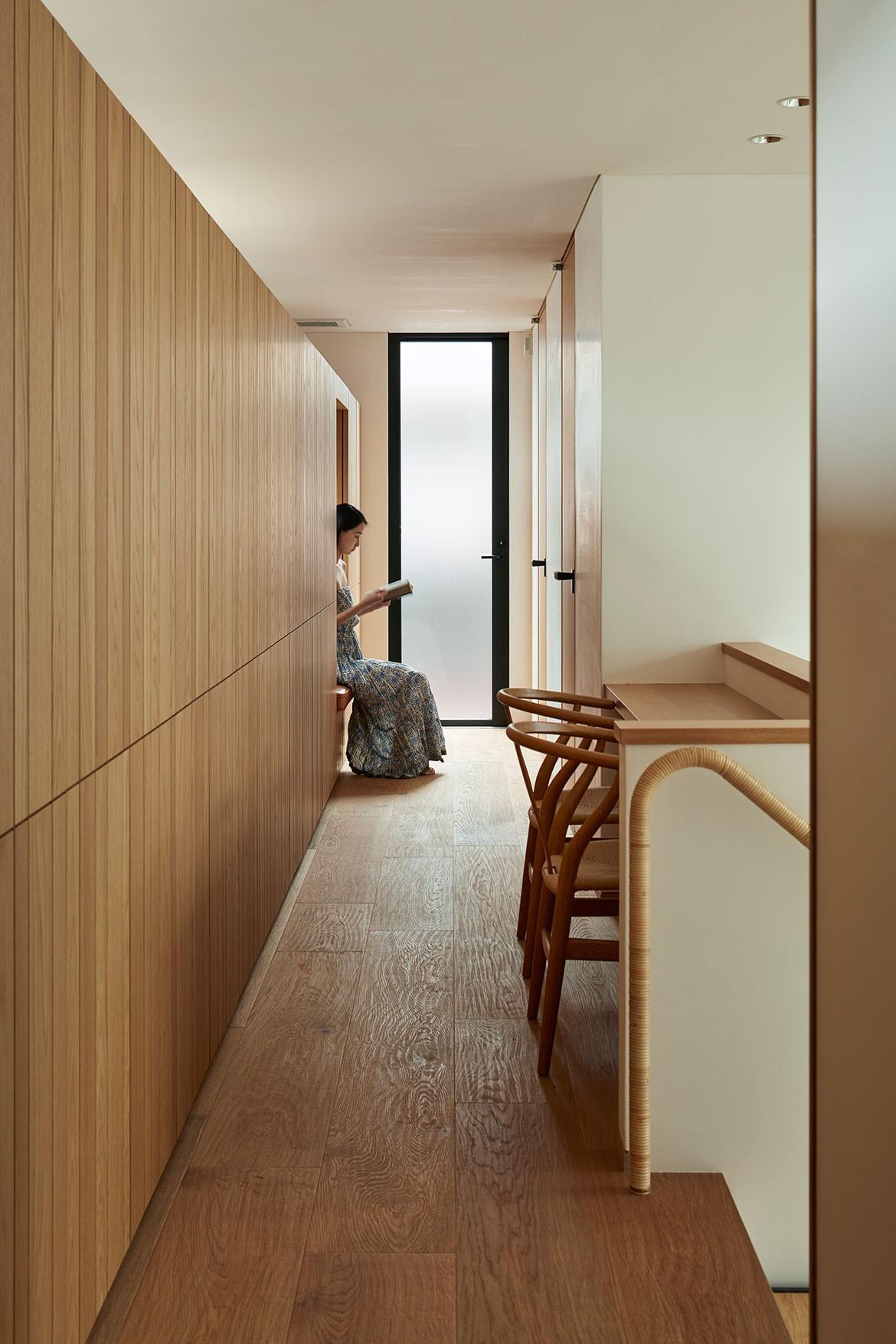 Radiator House Hiroshi Nakamura Architects hallway