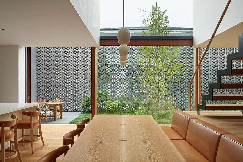 Radiator House Hiroshi Nakamura Architects interior dining