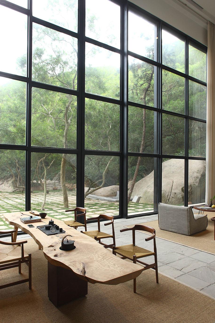 Returning Hut FMX.X Interior Design dining room