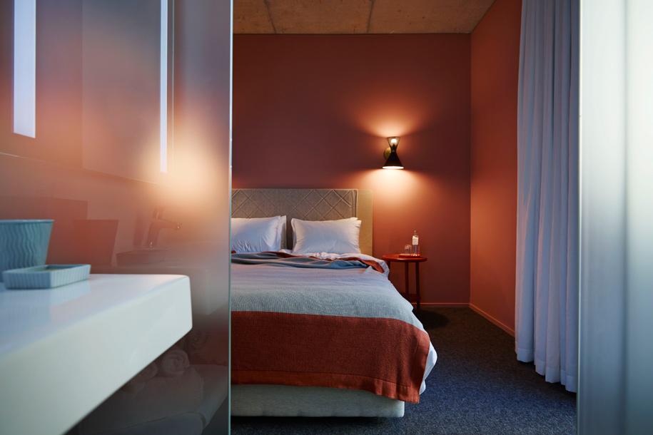 Room_207_Alex_Hotel_250515_78911