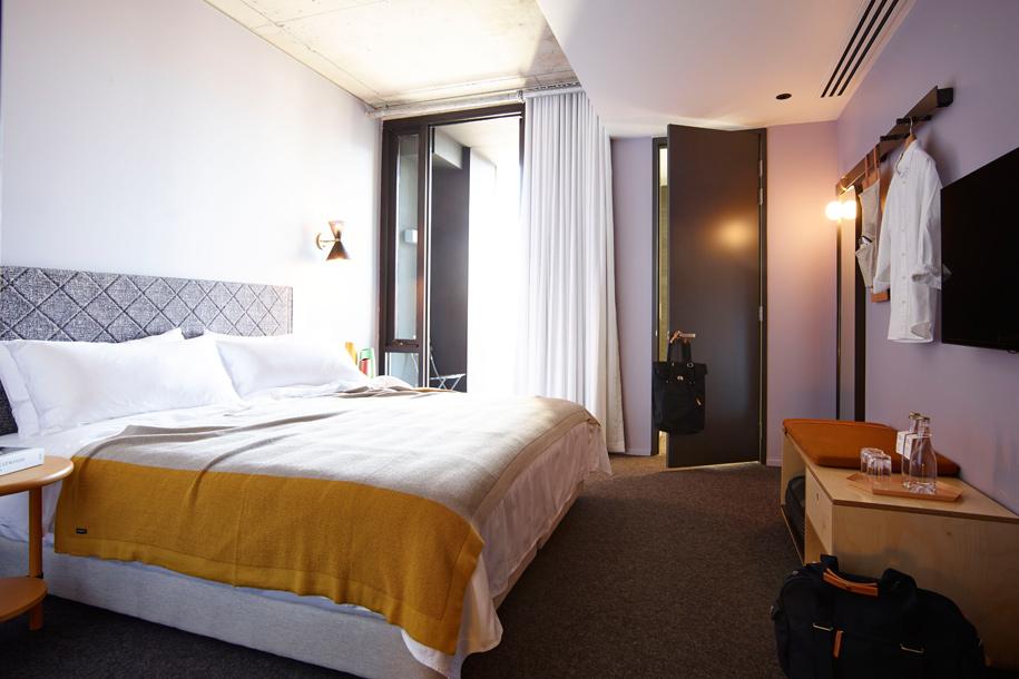 Room_404_Alex_Hotel_250515_79839