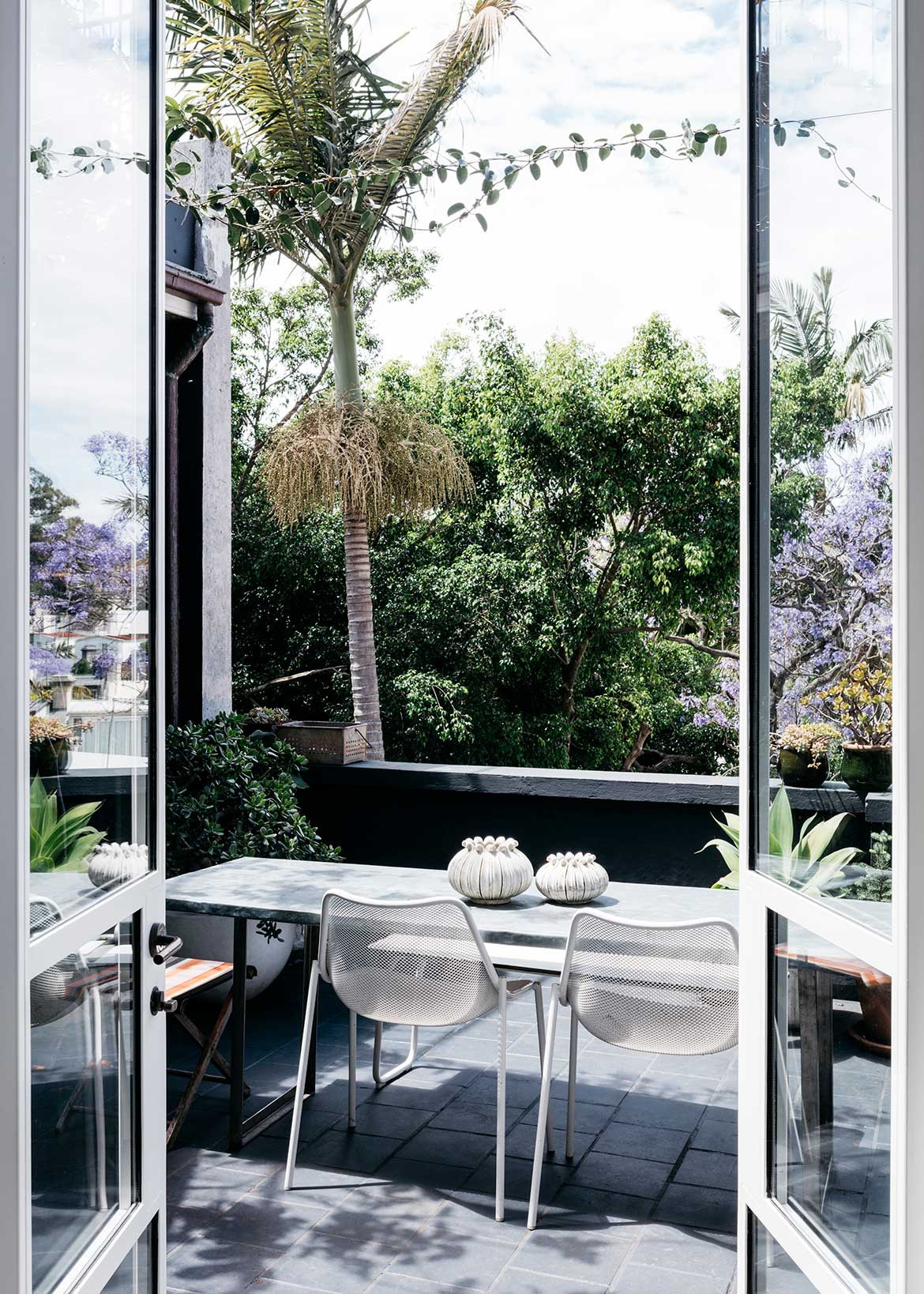 SJB Jonathan Richards Darlinghurst Residence cc Felix Forest balcony