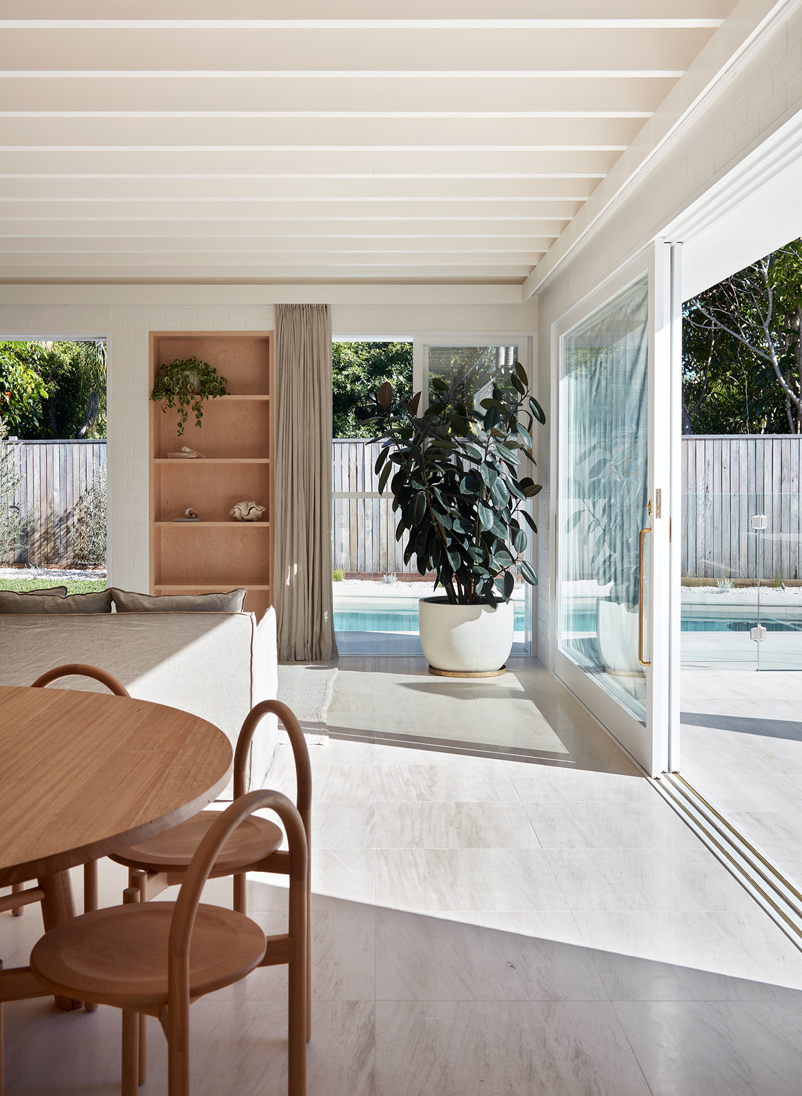 House Burch Those Architects Byron Bay Luc Rémond pool dining space