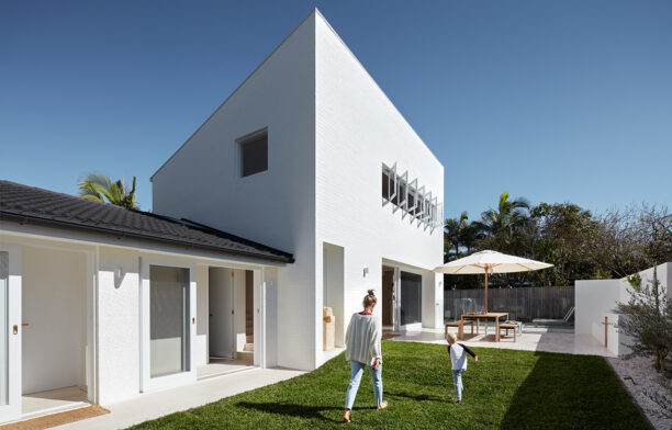 House Burch Those Architects Byron Bay Luc Rémond courtyard