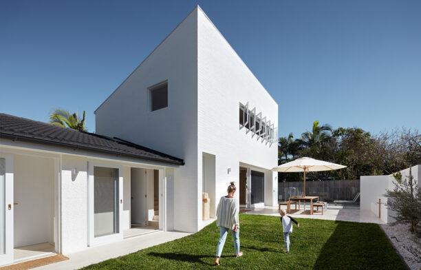House Burch Those Architects Byron Bay Luc Rémond courtyard