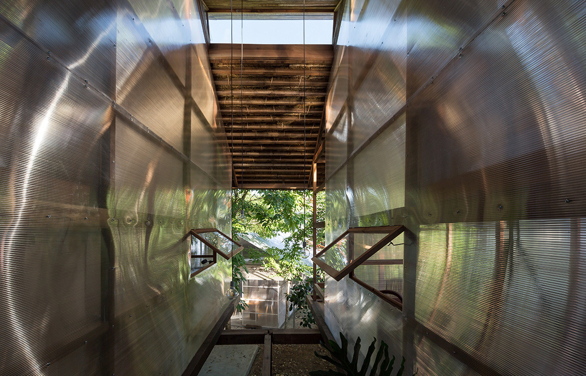 Sahi W&D by SILAA Architects is a homestay for tourists visiting Vietnam. It is designed to break down the barriers between people and nature.
