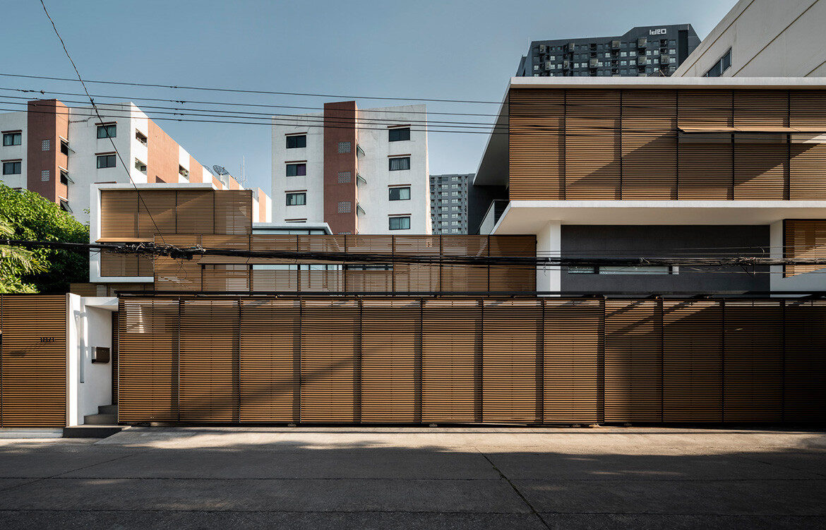 Screen House Archimontage cc Chalermwat Wongchompoo entrance screen continuity
