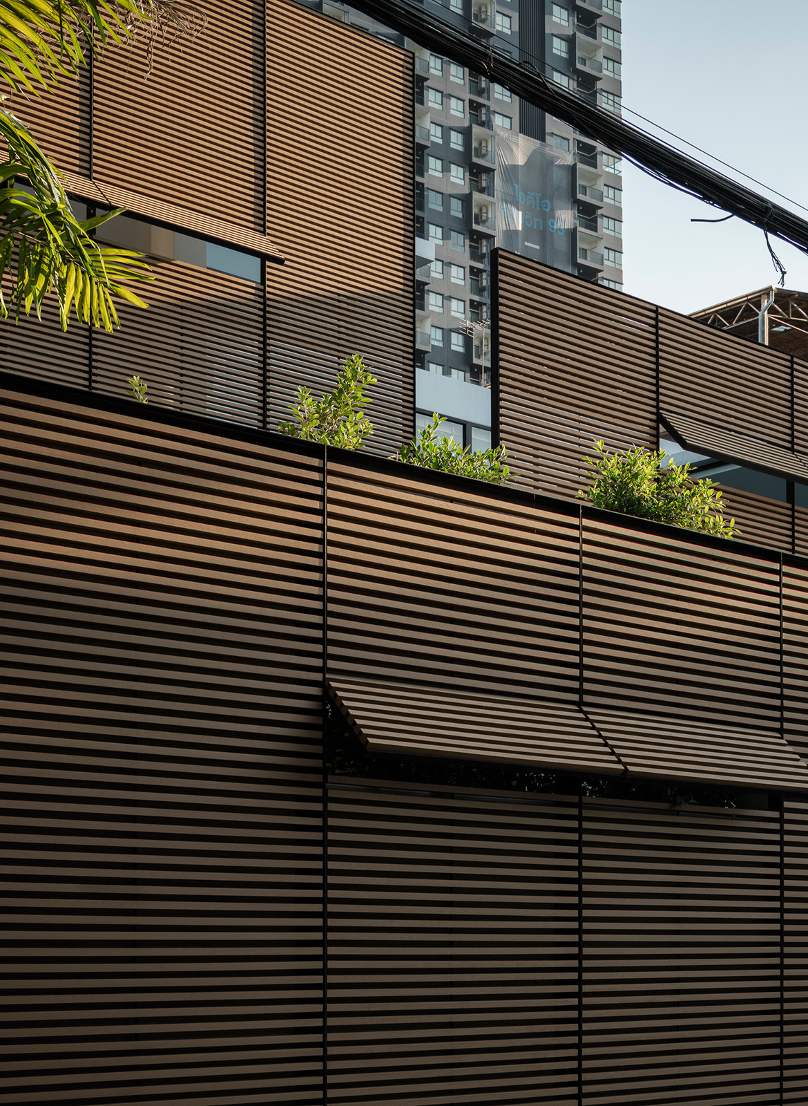 Screen House Archimontage cc Chalermwat Wongchompoo privacy screens as facades