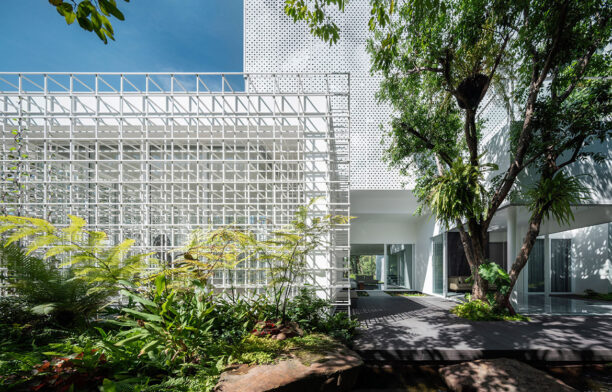 Embodying an appreciation for mental wellbeing, Buddhist ideals and connection to nature, Shade House thrives thanks to its inimitably biophilic and responsive design.