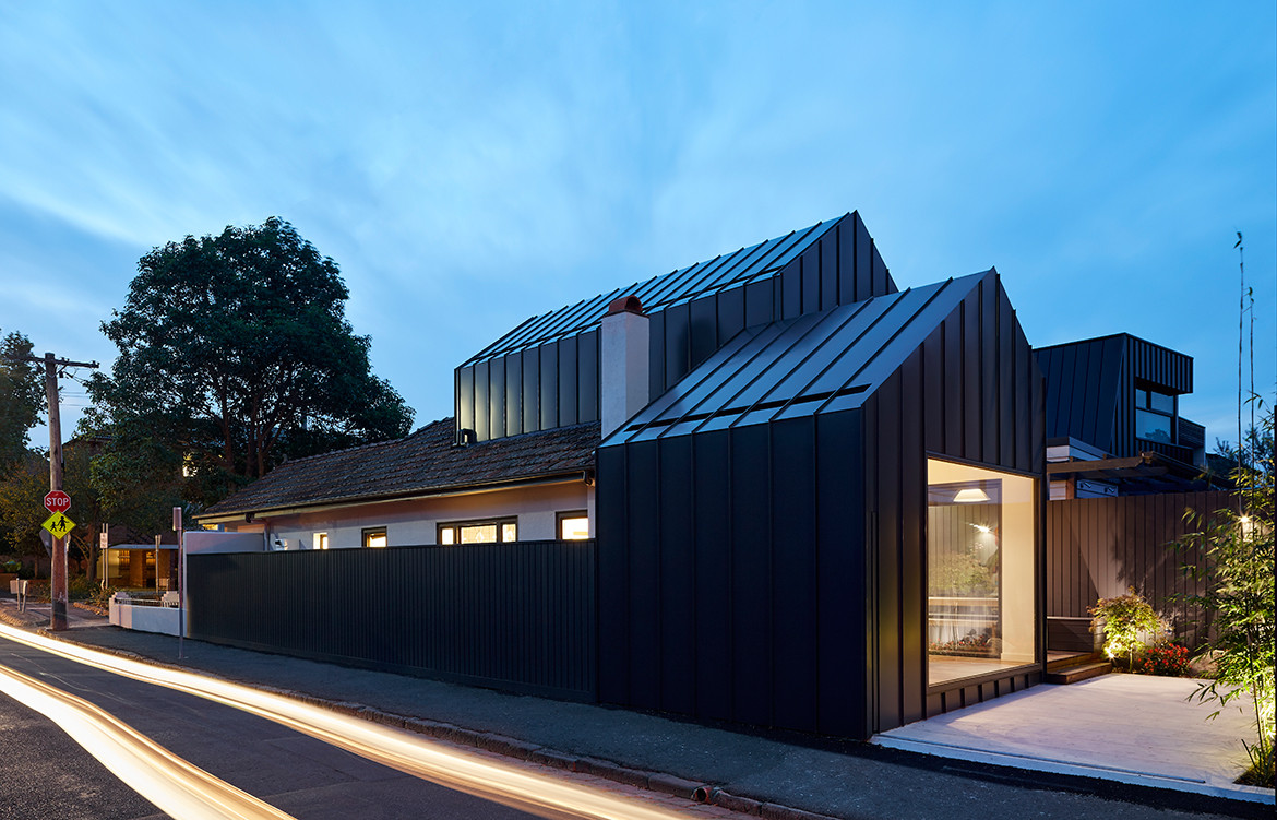 Shadow House Nic Owen Architects CC Christine Francis exterior night