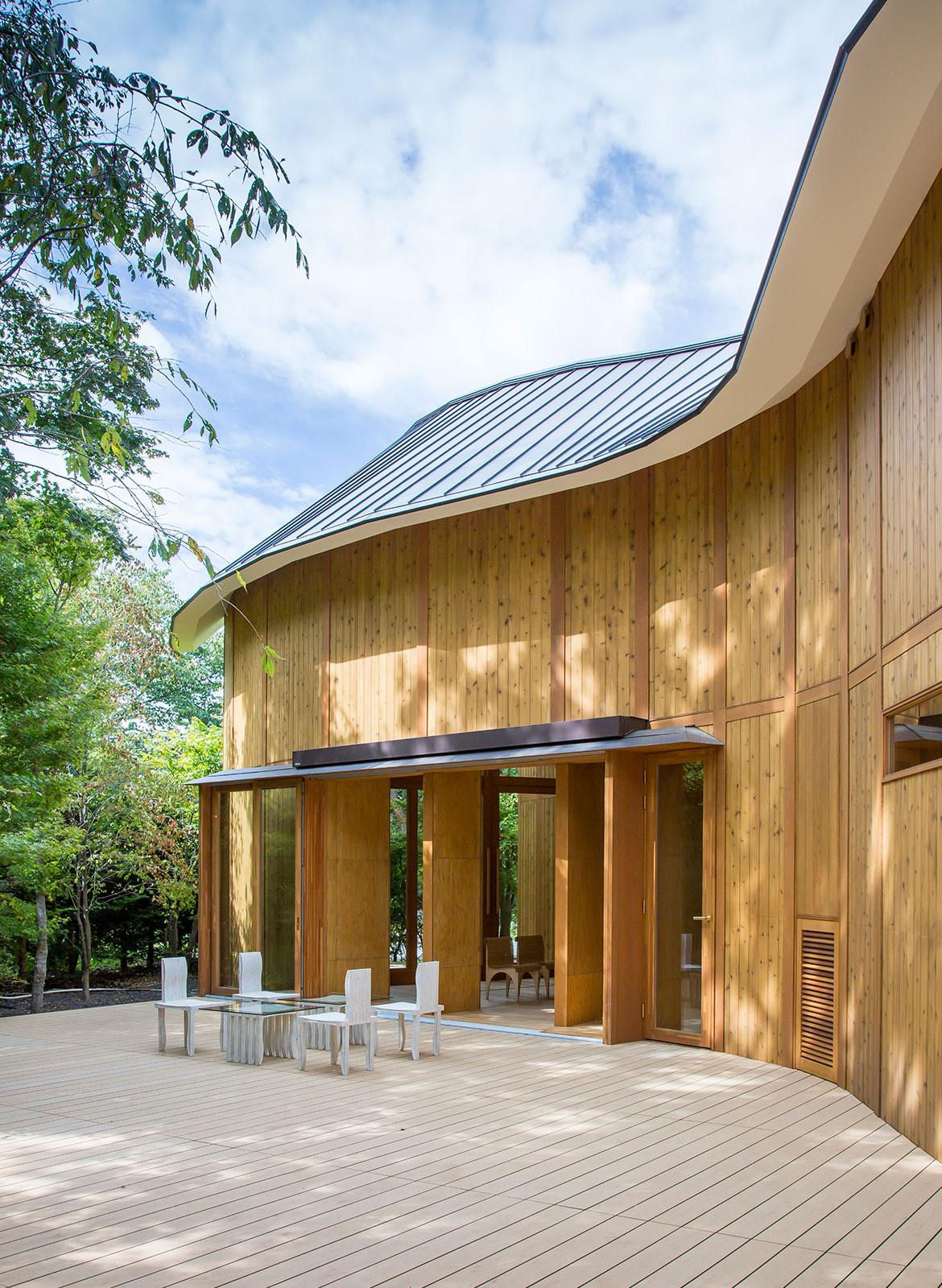 Shishi-Iwa House Shigeru Ban Japan exterior garden