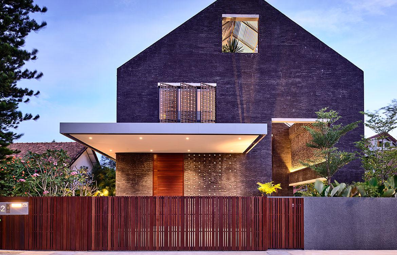 Siglap Plain HYLA Architects cc Derek Swalwell exterior