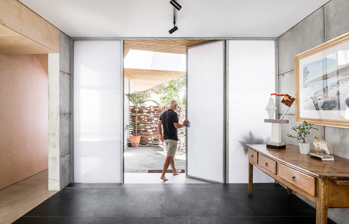 Silver Street House EHDO Architecture CC Dion Robeson home entrance door wide