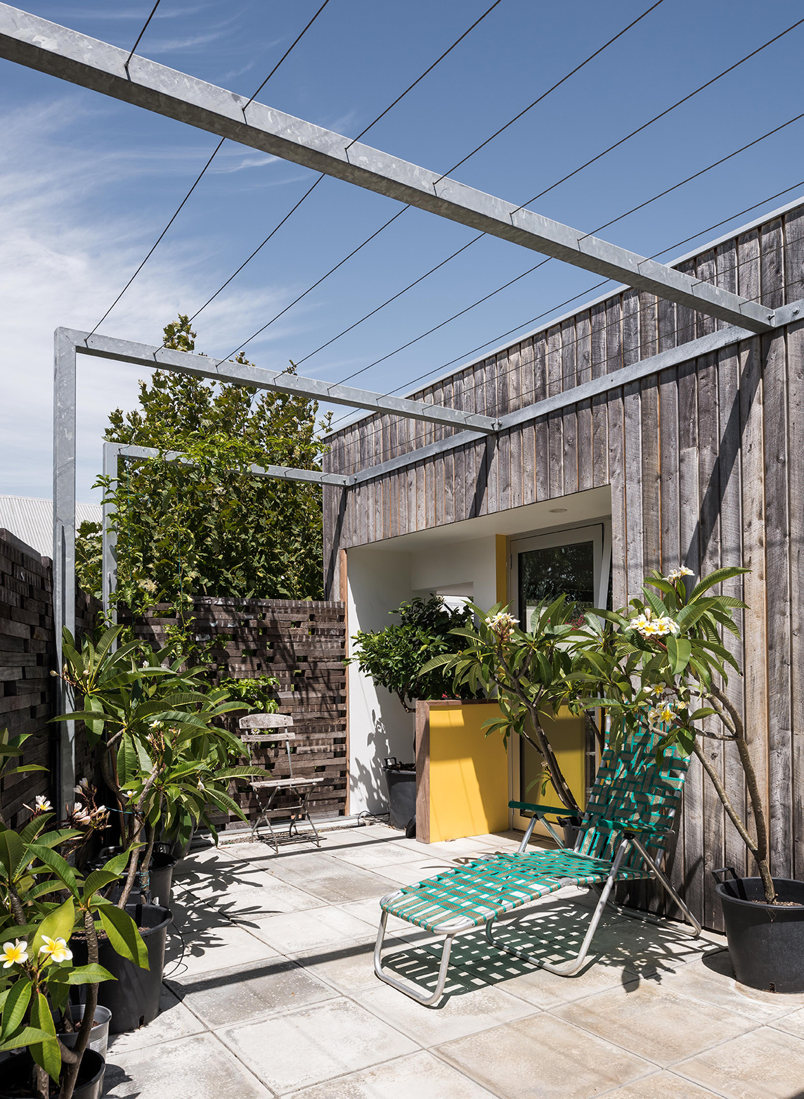 Silver Street House EHDO Architecture CC Dion Robeson outdoors