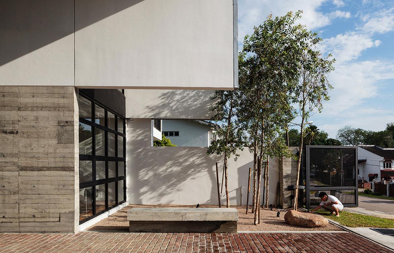 pe House Formwerkz cc Fabian Ong porch