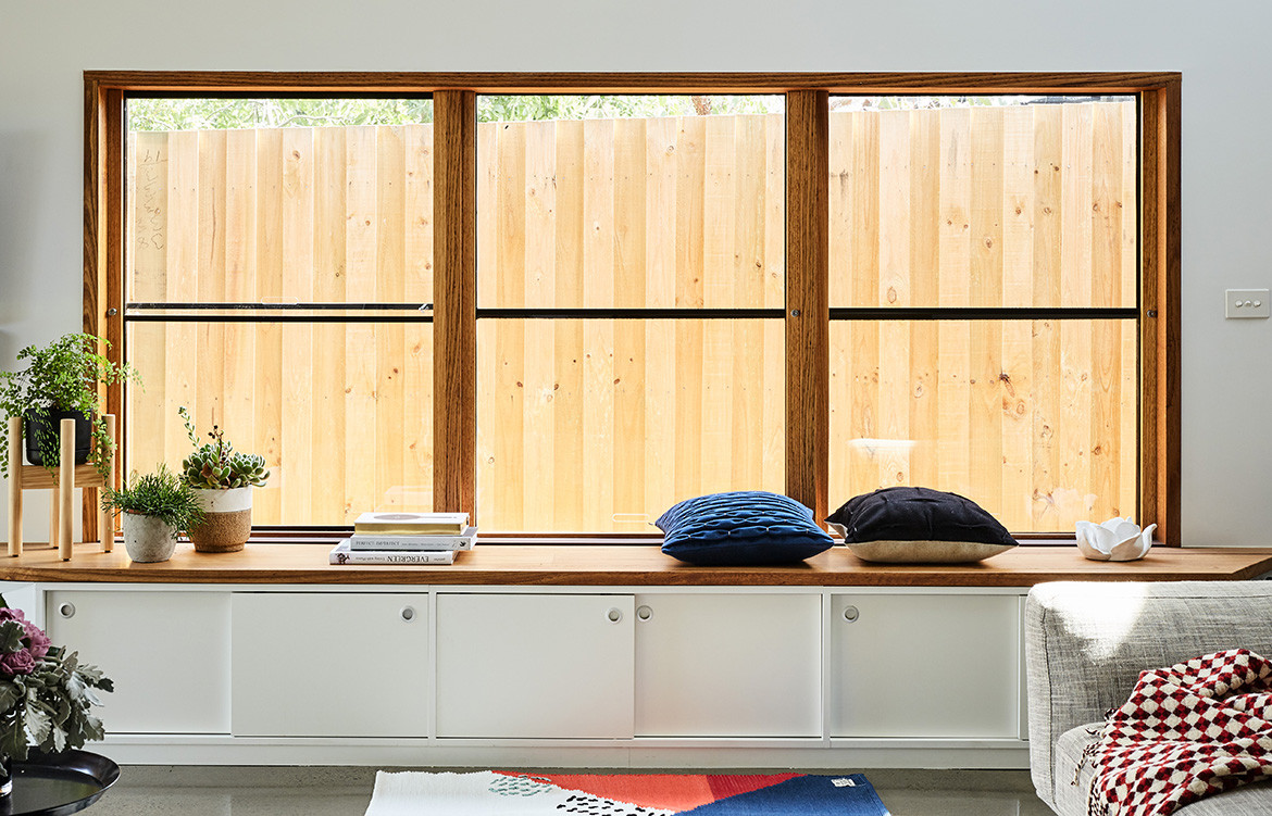 Split End House Mártires Doyle CC Jonathon Griggs custom timber shelf in living space