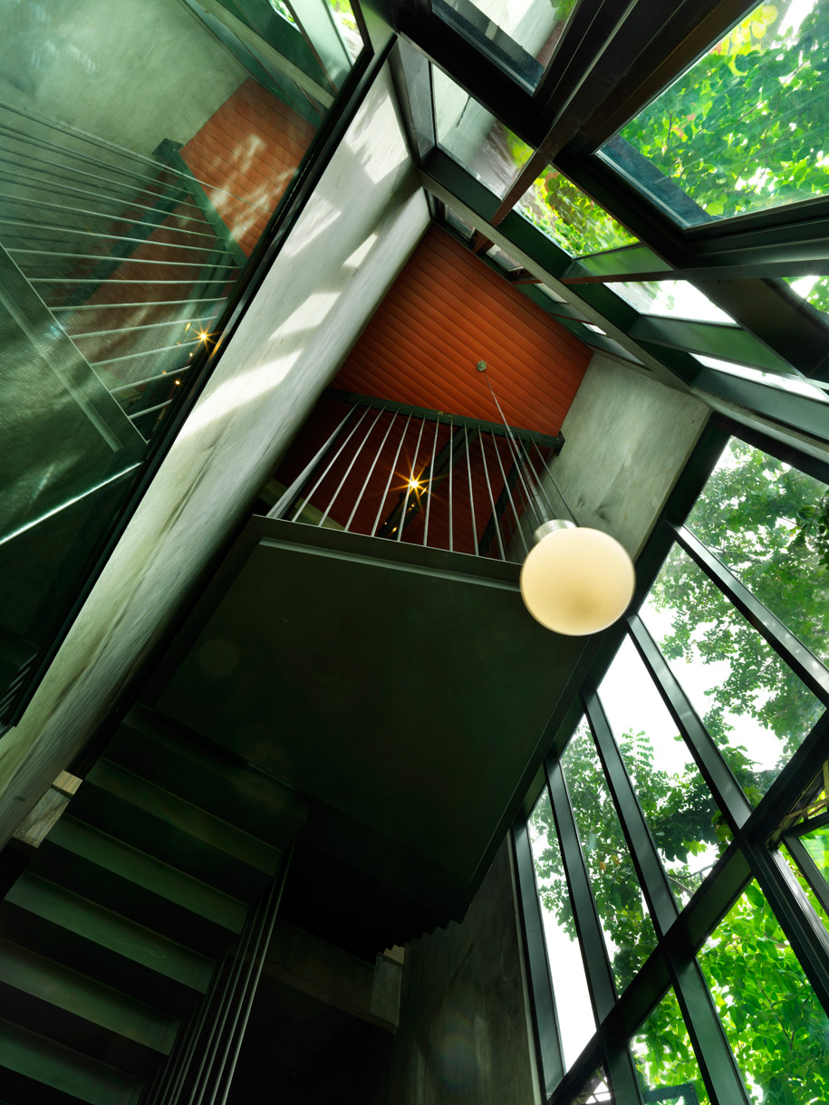 Staircase-that-acts-as-lightwell