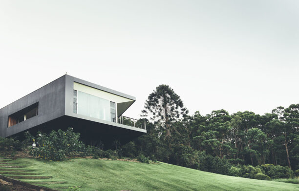 Stealth House Teeland Architects cc Jared Fowler cantilever