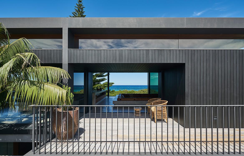 Sunrise House MCK Architects CC Michael Nicholson balcony