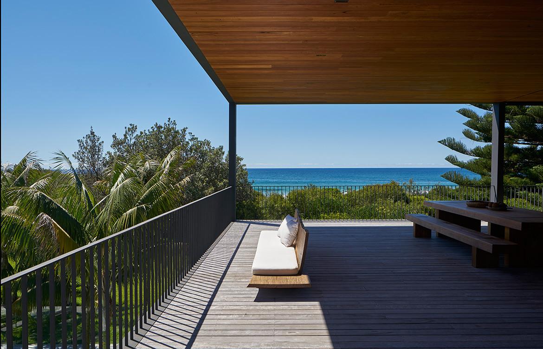 Sunrise House MCK Architects CC Michael Nicholson beach horizon