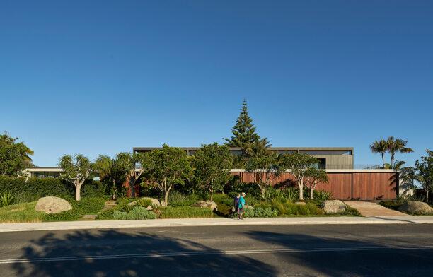 Sunrise House MCK Architects CC Michael Nicholson street