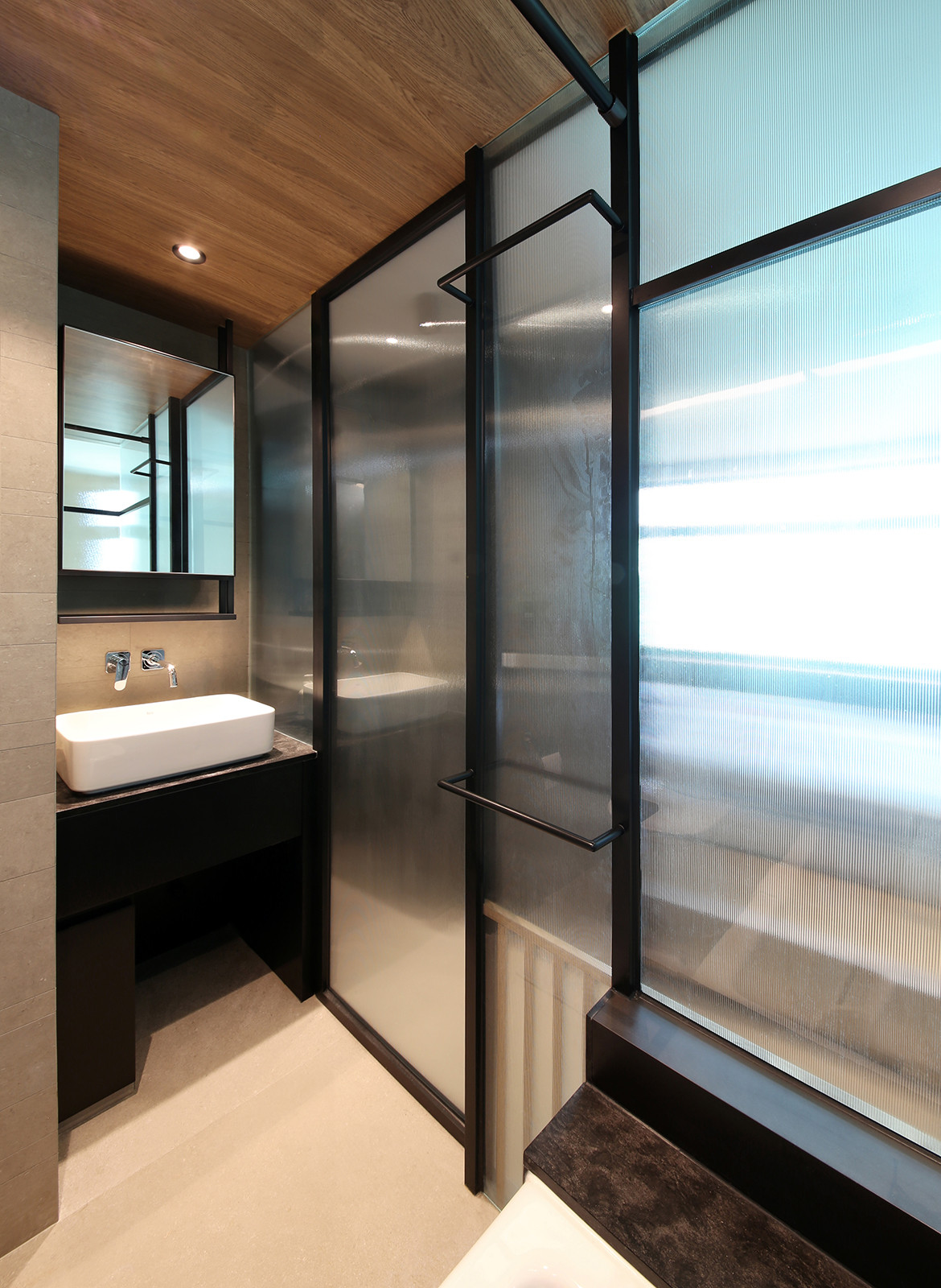 Taikoo Shing Apartment Studio Adjective bathroom screens
