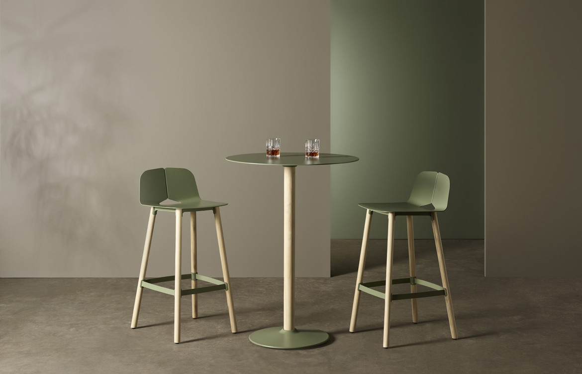 Seam bar Stool 3