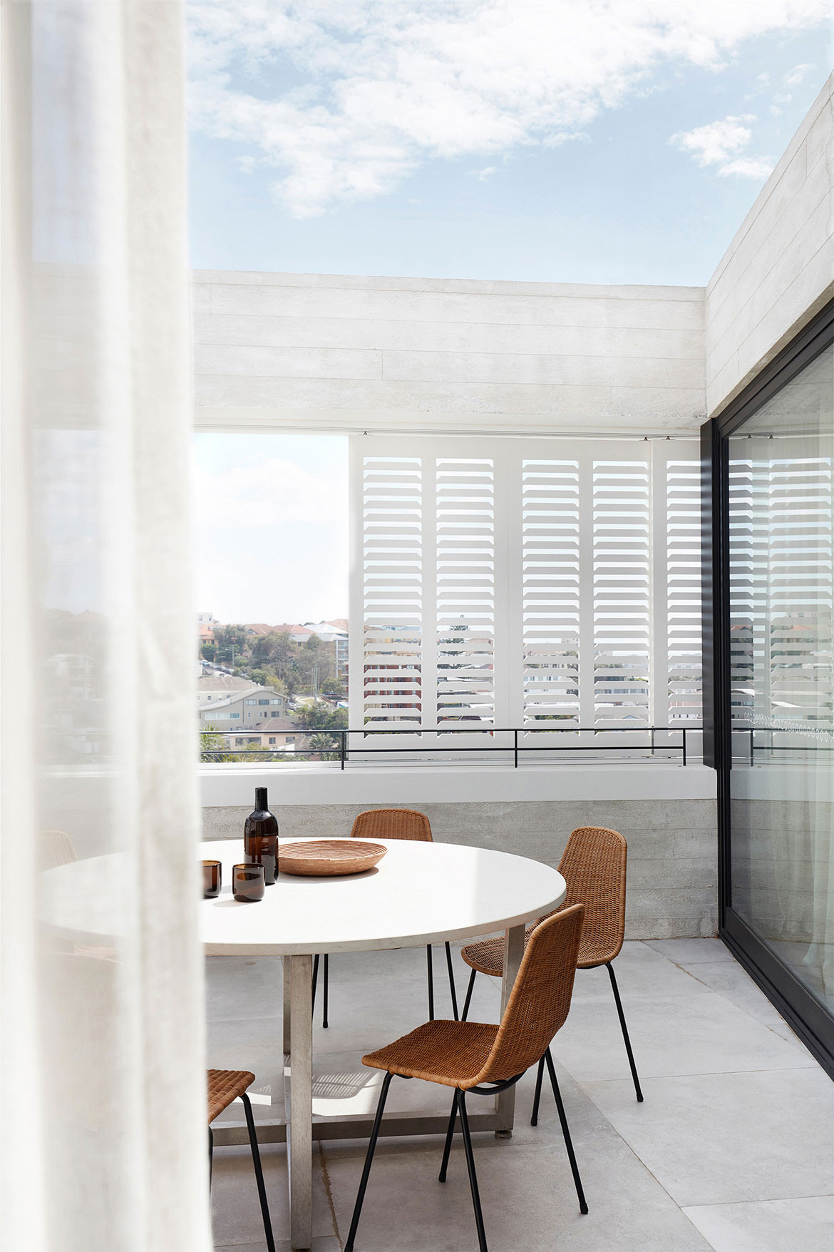 Tamas Tee House Luigi Rosselli Architects balcony