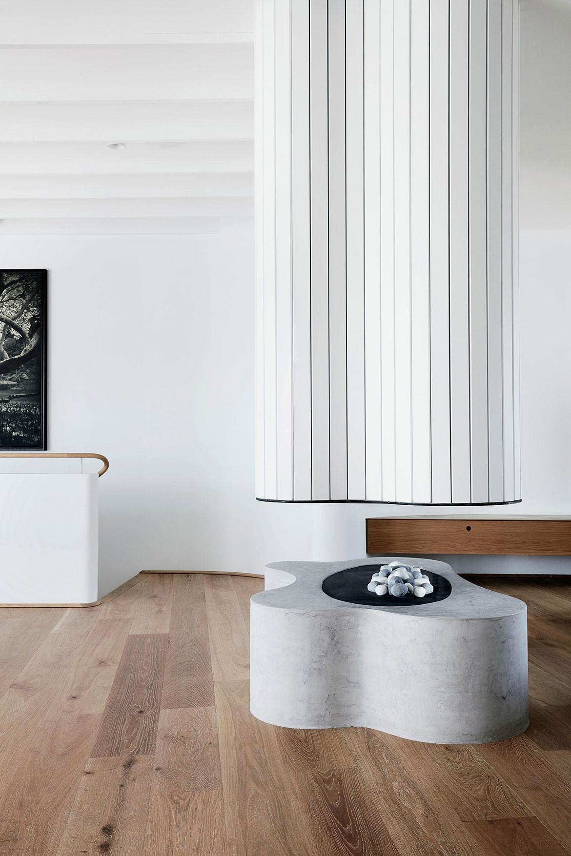 Tamas Tee House Luigi Rosselli Architects fireplace