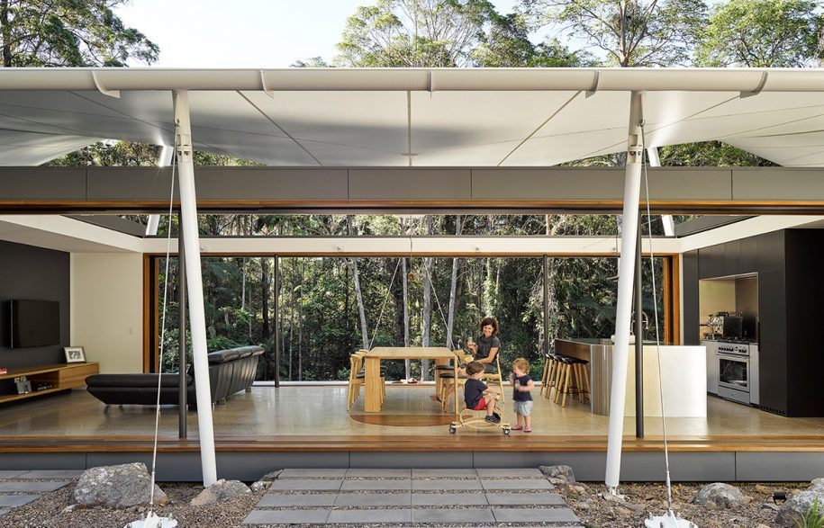 Tent-HouseSparks-ArchitectsNoosaTreeHouse_openplanliving