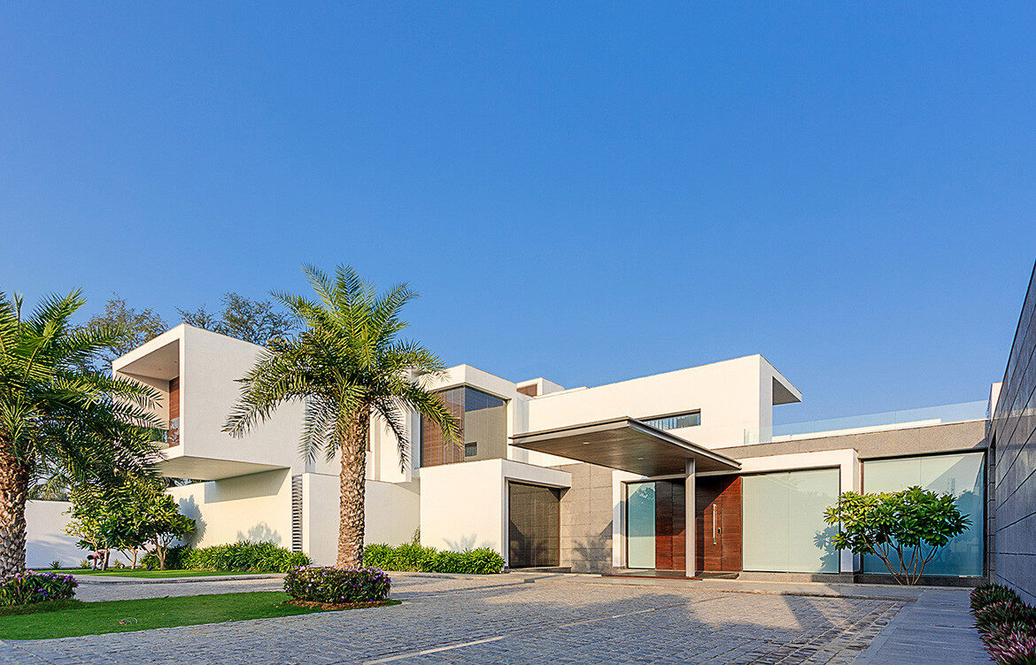 The Centre Court Villa Pomegranate Design driveway and bright entrance
