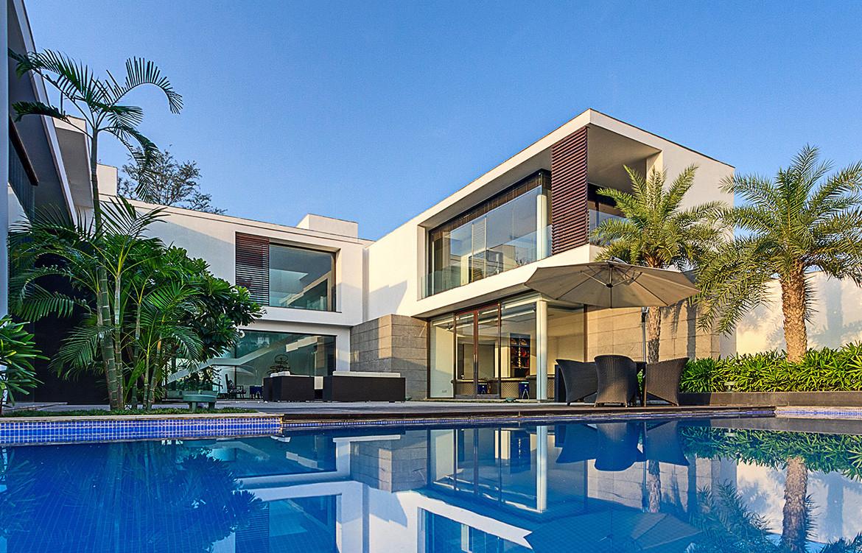 The Centre Court Villa Pomegranate Design pool and greenery