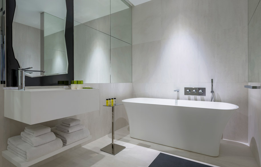 TheSouthBeach_Showcase-You-Bathroom-Highres