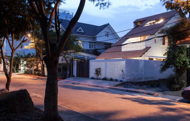 Tile Roof House Vietnam K59 Atelier | streetview